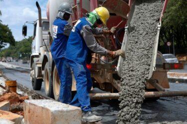 Venda de cimento no Brasil sobe em março, mas perspectiva é incerta, diz Snic