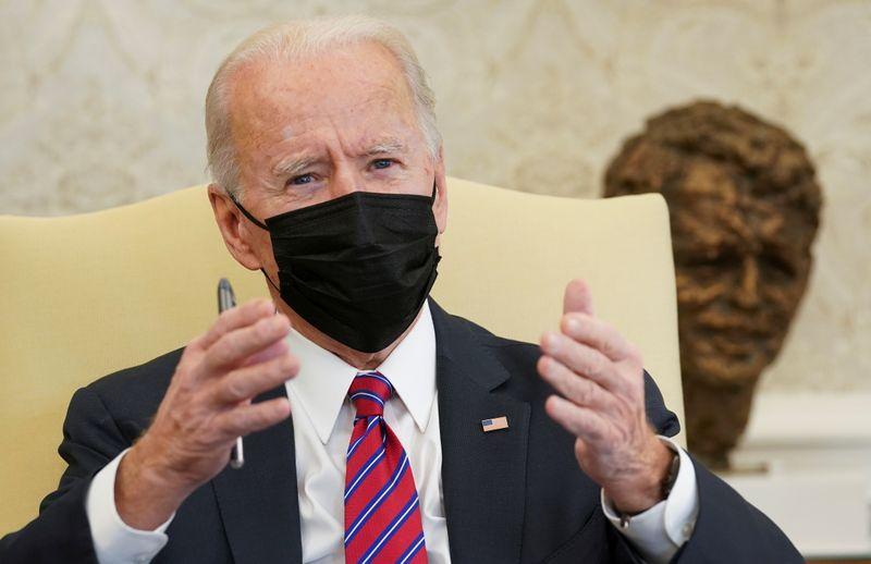 Biden quis explicar por que não é favorável a aumento ao comentar taxação do gás, diz autoridade