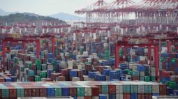 China registra exportações robustas e aumento das importações em março
