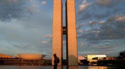 LDO de 2022 chegará ao Congresso em meio a imbróglio do Orçamento deste ano