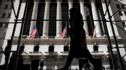 Índices de Wall St encerram mistos apesar de grandes ganhos de bancos