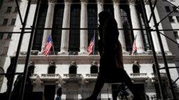 Wall St fecha com ganhos semanais; S&P 500 e Dow Jones batem máximas recordes