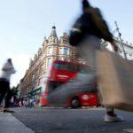 Número de consumidores no Reino Unido dispara 88% com reabertura de lojas após lockdown