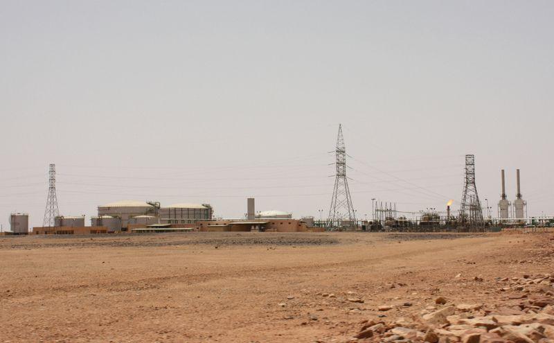 Petroleira da Líbia retira força maior sobre embarques pelo porto de Hariga