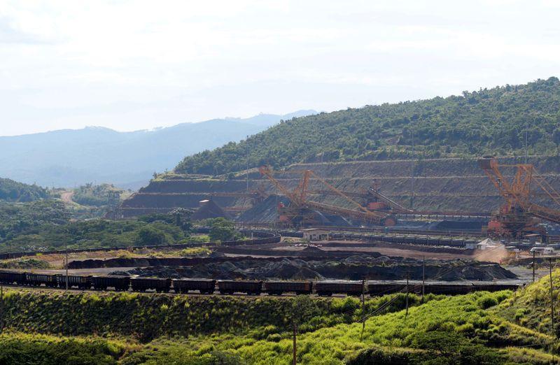 Vale mantém meta de produção de minério de ferro para 2021 em 315-335 mi t