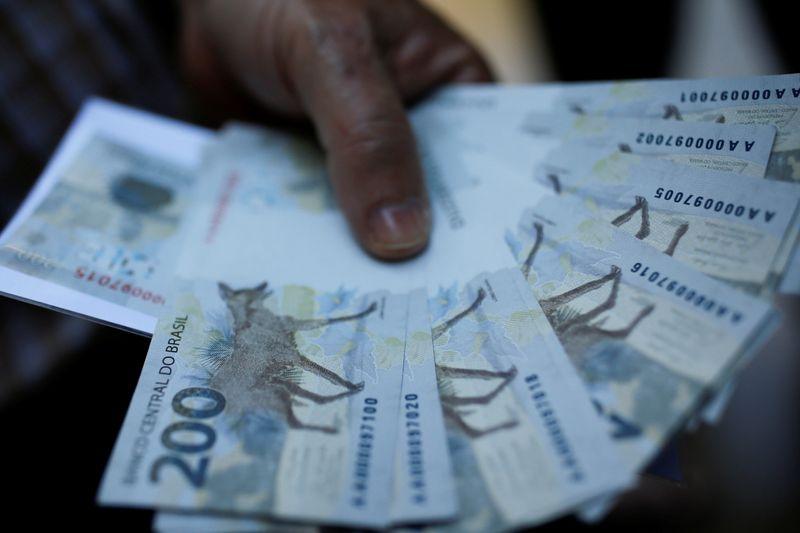 Governo renova programa BEm, de apoio ao emprego formal, ao custo de R,98 bi
