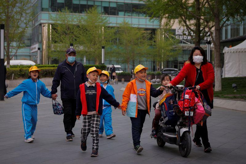 China deve ter primeiro declínio populacional em cinco décadas, diz FT