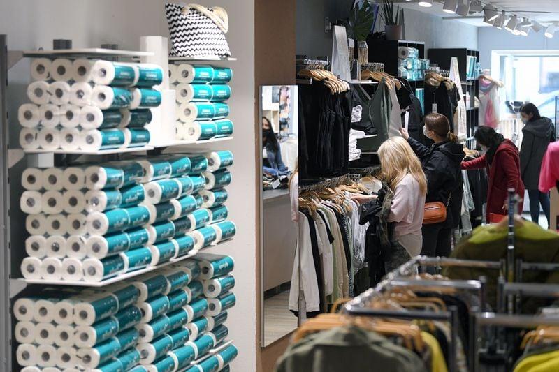 Confiança do consumidor alemão cai inesperadamente para maio, aponta GfK