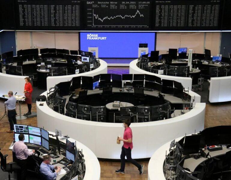 Ações europeias recuam com rendimentos altos e realização de lucros; bancos saltam