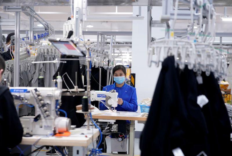 Crescimento da atividade industrial da China desacelera com gargalos de oferta, mostra PMI oficial
