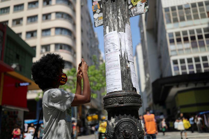 Brasil tem desemprego de 14,4% no tri até fevereiro, diz IBGE