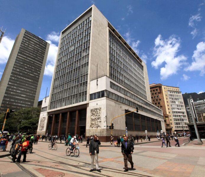 BC da Colômbia mantém juros e eleva projeção para PIB de 2021