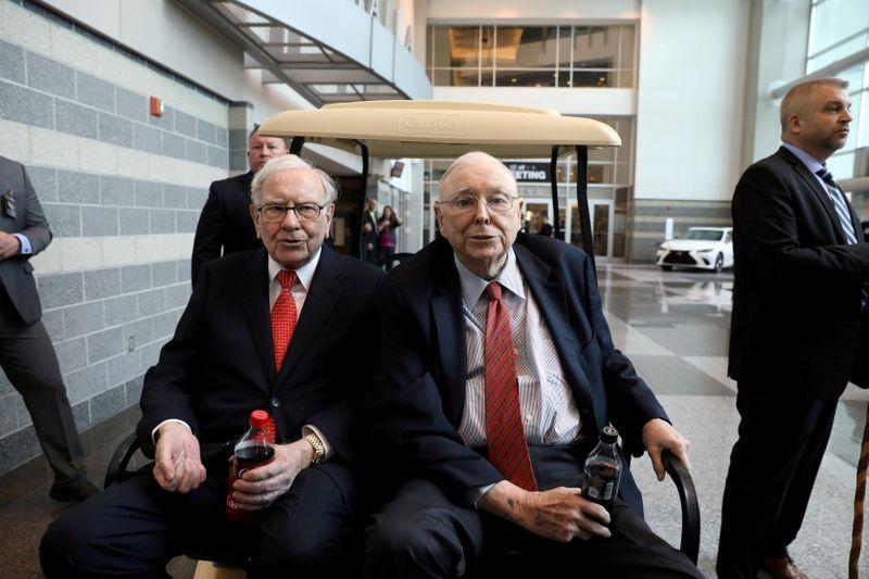 Warren Buffett diz que Greg Abel é seu provável sucessor na Berkshire Hathaway