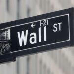 Dow toca máximas recordes com impulso de ações de matérias-primas e energia
