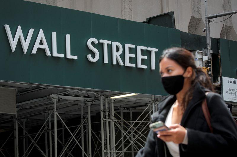 Wall St fecha em queda com temor sobre inflação impondo vendas a setor de tecnologia
