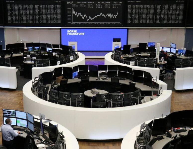 Ações europeias têm pior liquidação do ano com tombo de viagens e tecnologia