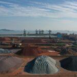 Futuros do minério de ferro na China caem quase 10% após rali recorde