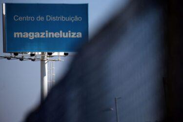 Magazine Luiza tem lucro no 1º tri, com vendas online impulsionando receitas