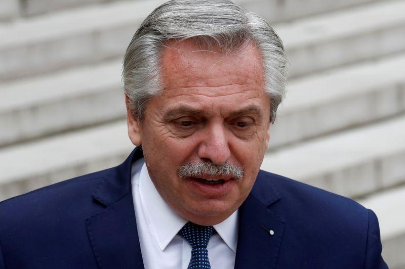 Presidente argentino se reúne com chefe do FMI e busca acordo rápido