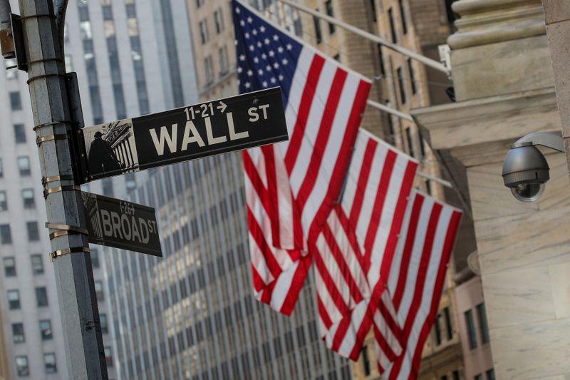 Nasdaq registra recorde com impulso de ações de crescimento; dados de inflação limitam Wall St