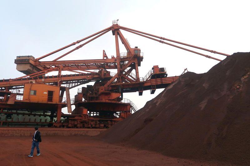 Minério de ferro fecha em leva alta em Dalian