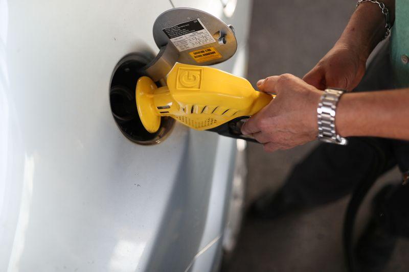 Perdas com mercado irregular de combustíveis no Brasil soma R$26 bi/ano, aponta FGV