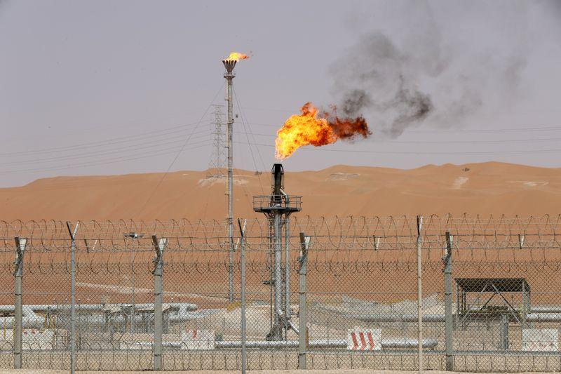 Acordo entre Arábia Saudita e Emirados Árabes Unidos será catalisador de alta para petróleo, diz Goldman