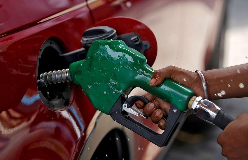 Importação de petróleo pela Índia atinge menor nível em 9 meses em junho