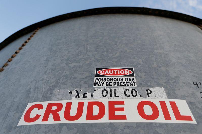 Preços do petróleo avançam 4% apesar de aumento de estoques dos EUA