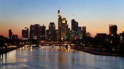 Confiança empresarial alemã cai em julho com escassez de suprimentos e temores de vírus