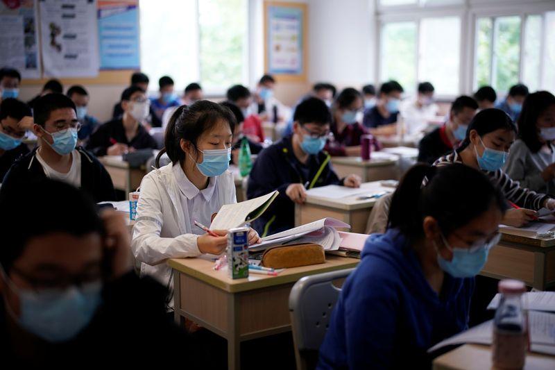 Novas regras de aulas particulares da China colocam bilhões de dólares em jogo