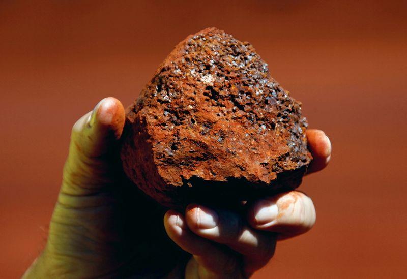 Rio Tinto tem resultado semestral recorde após disparada nos preços do minério
