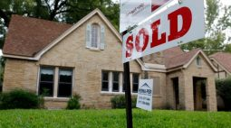 Vendas pendentes de moradias nos EUA recuam em junho