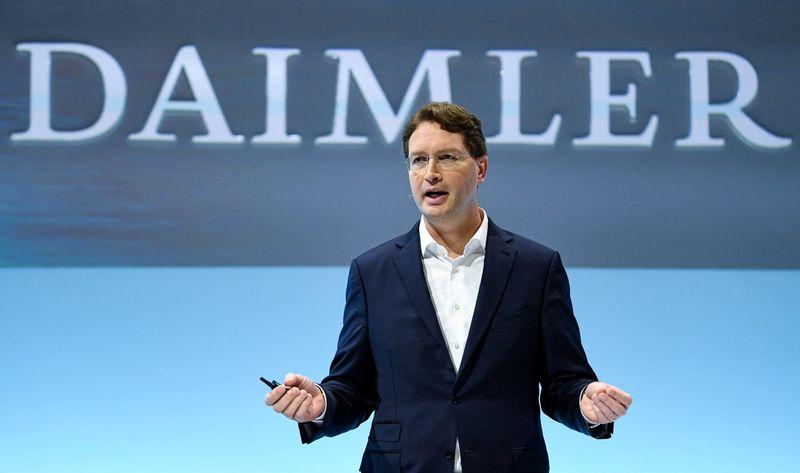 Daimler deve manter 35% do negócio de caminhões após cisão