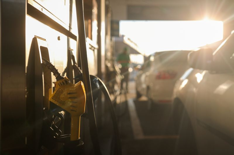 Petroleiras pedem manutenção de mistura de biodiesel em 10%; produtores contestam