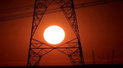 Conta de luz seguirá com bandeira vermelha patamar 2 em agosto, diz Aneel