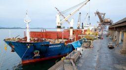 Balança comercial tem superávit de US$7,4 bi em julho, abaixo do esperado