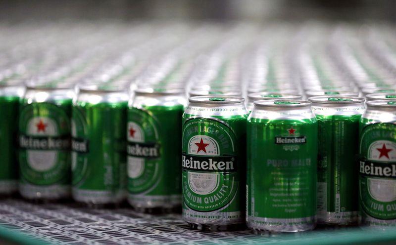Heineken dobra lucro, mas alerta para alta de custos