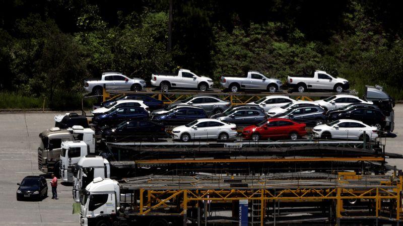 Venda de veículos novos recua em julho ante junho, diz Fenabrave