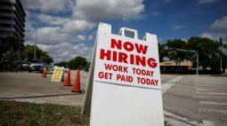 Mercado de trabalho dos EUA deve criar cerca de 500 mil vagas por mês, diz Bullard
