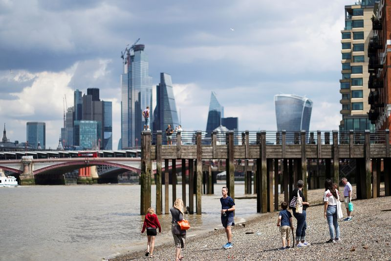 BC britânico eleva perspectiva para inflação e mostra divisão sobre estímulo