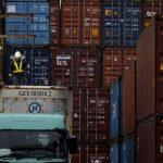 Exportações do Japão desaceleram e aumento de custo de importação ameaça retomada econômica