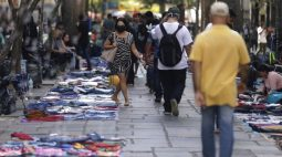 Itaú Unibanco passa a ver Selic de 11,25% e contração do PIB de 0,5% em 2022