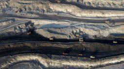 Futuros do aço e carvão despencam na China; minério de ferro se recupera