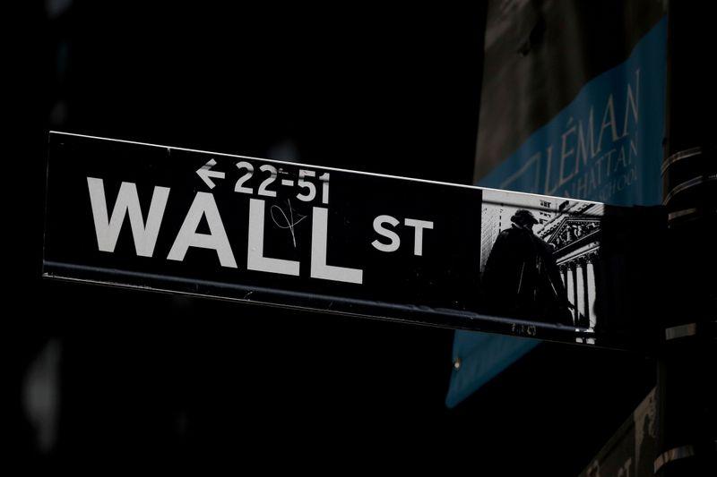 Balanços sólidos elevam ânimo em Wall Street antes de resultados de Apple e Amazon