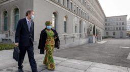 Nigeriana Okonjo-Iweala inicia trabalho buscando reavivar OMC