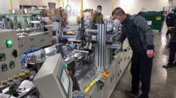 Setor manufatureiro dos EUA vai a máxima em três anos e pressões de custo sobem, diz ISM
