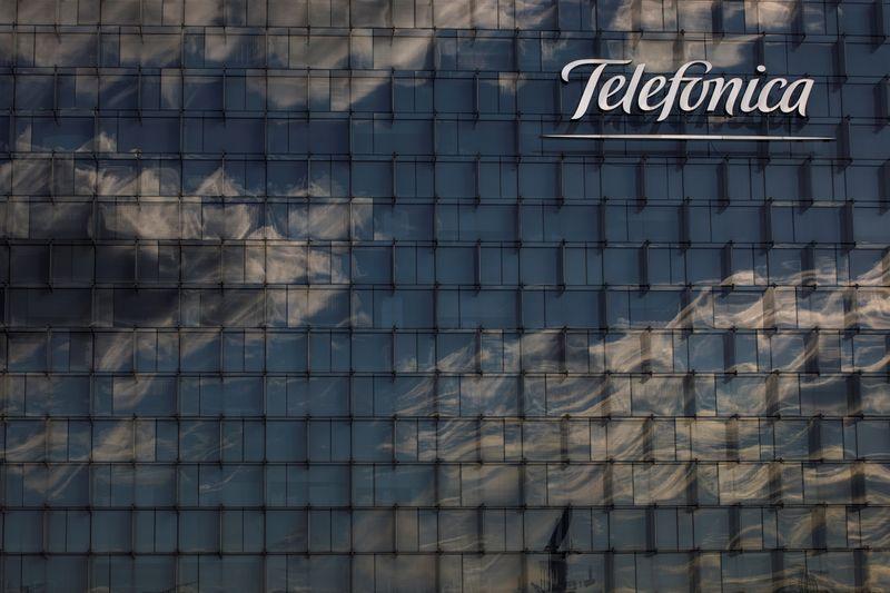 Telefônica faz acordo com canadense CDPQ para rede de fibra no Brasil