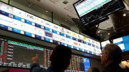 Ibovespa fecha em queda após volatilidade com quadro fiscal; Petrobras pesa