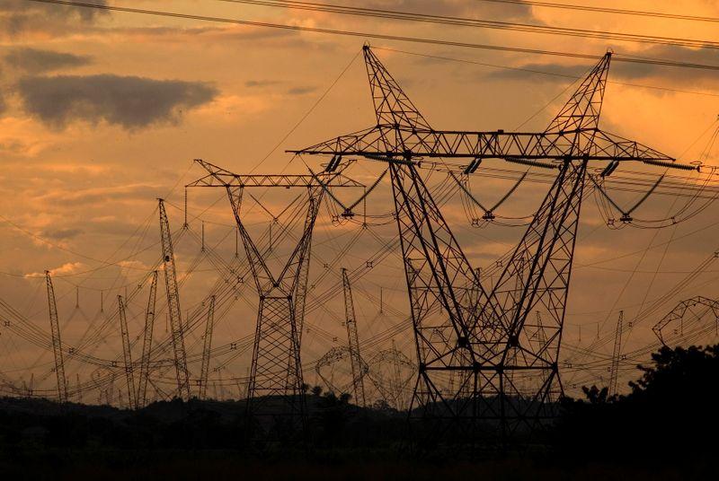 Estatal Nuclep diversifica e fabrica primeiras torres de transmissão após atrasos
